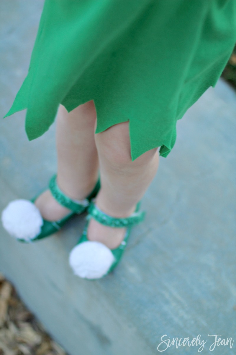 Halloween Costume DIY Toddler Tinker Bell Shoes - Simple and cute tutorial on how to make a toddler Tinker Bell costume and tips for doing the hair! | www.sincerelyjean.com