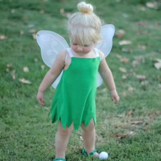 DIY Toddler Tinker Bell Costume and Hair - Simple and cute tutorial on how to make a toddler Tinker Bell costume and tips for doing the hair! Perfect toddler Halloween costume!| www.sincerelyjean.com