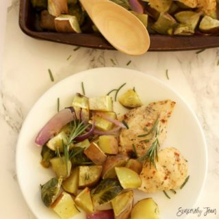 SincerelyJean.com - Try our one pan, five ingredient Autumn chicken!