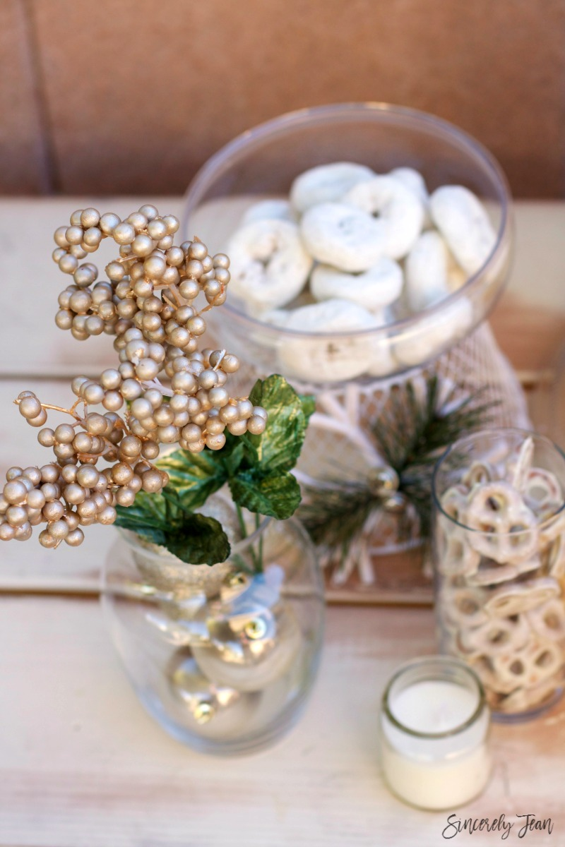 Christmas drink and dessert table ideas by SincerelyJean.com